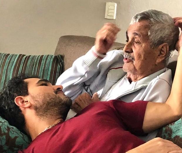 Luciano di Camargo e o pai, Seu Francisco (Foto: Reprodução / Instagram)
