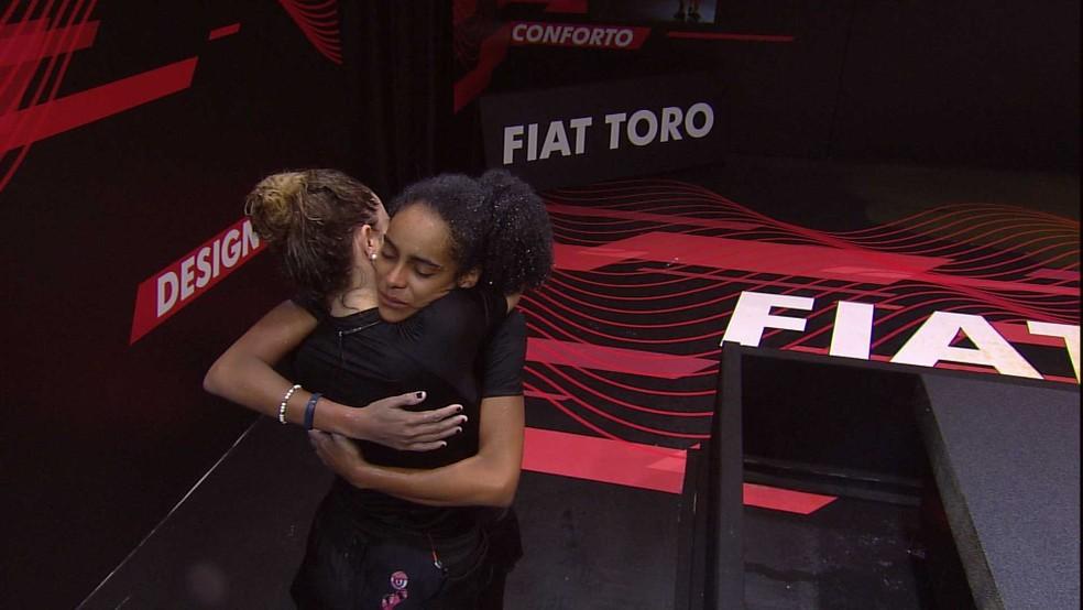 Paula é a última a sair da Prova de Resistência Fiat Toro — Foto: TV Globo
