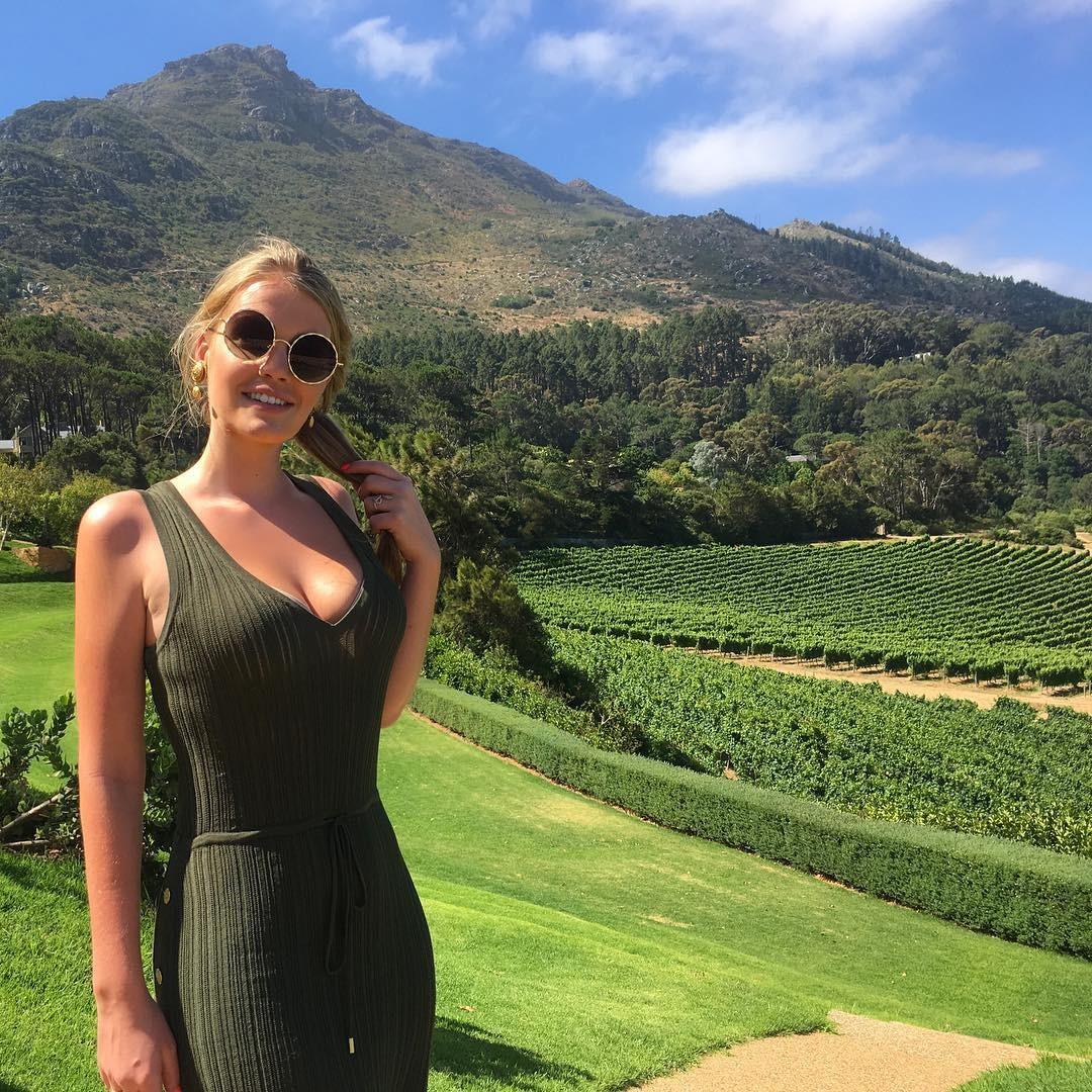 Kitty Spencer em viagem na África do Sul (Foto: Reprodução/Instagram)