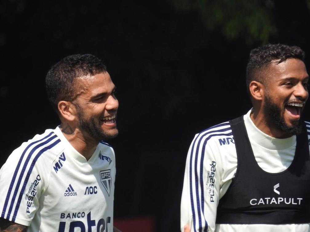Daniel Alves e Reinaldo São Paulo — Foto: Marcelo Hazan