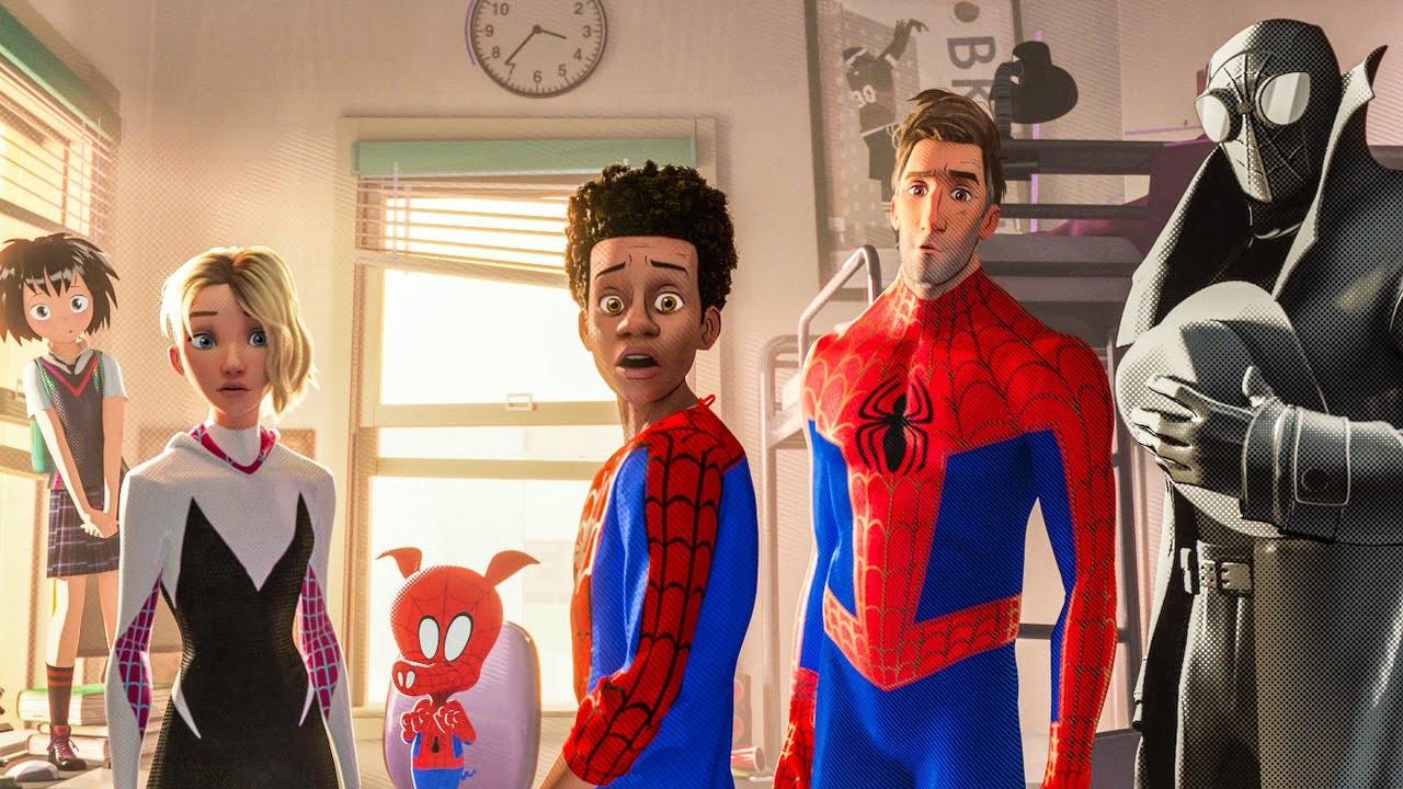 As principais versões do super-herói que aparecem em 'Homem-Aranha no Aranhaverso': Peni Parker, Spider Gwen, Peter Porker, Miles Morales, Peter Parker e Spider-Man Noir (Foto: Divulgação)