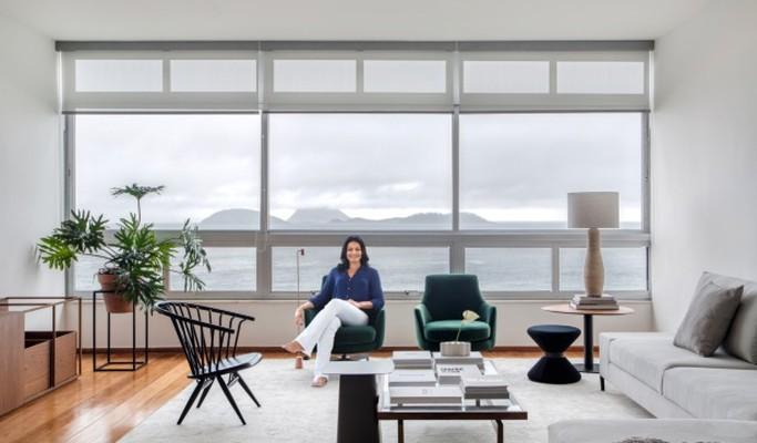 Apartamento leve e relaxante emoldura o mar de Ipanema