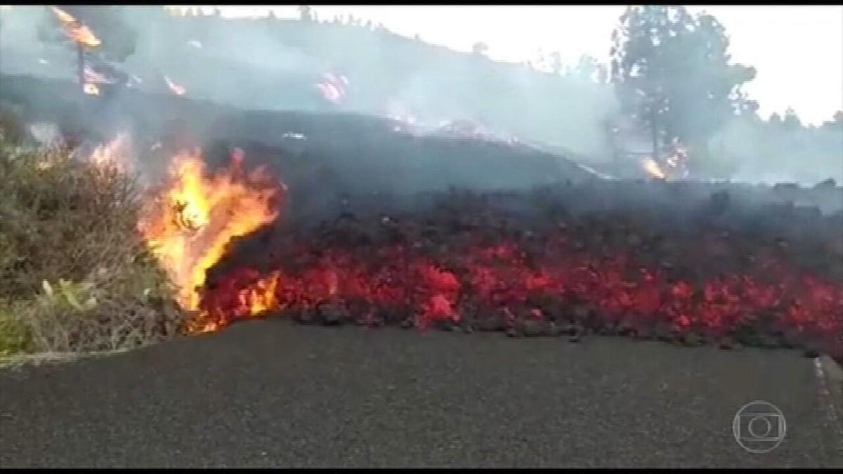 Erupção de vulcão nas Ilhas Canárias leva à retirada de mais de 5 mil pessoas