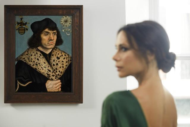 Victoria com obra de Lucas Cranach (Foto: Reprodução/Instagram)