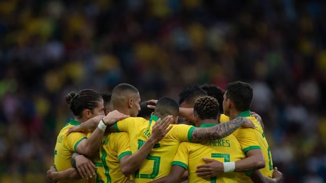 Brasil goleou Honduras por 7 a 0 neste domingo