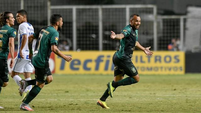 Rodolfo comemora gol do América-MG