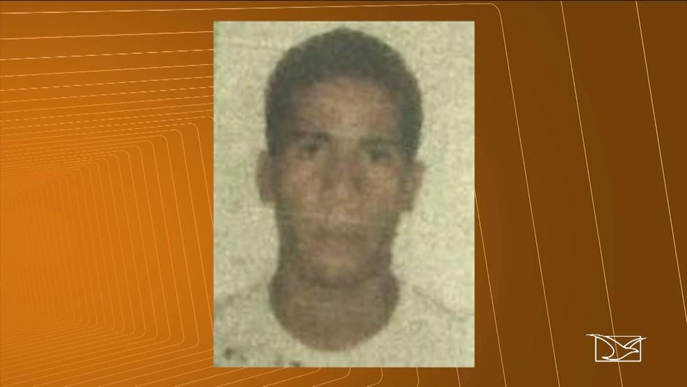 Felipe Rocha Moraes suspeito de emprestar a moto para o crime foi preso pela polícia. (Foto: Reprodução/TV Mirante)