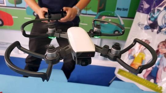 Curso de pilotagem de drone abre as portas do futuro para crianças e adolescentes