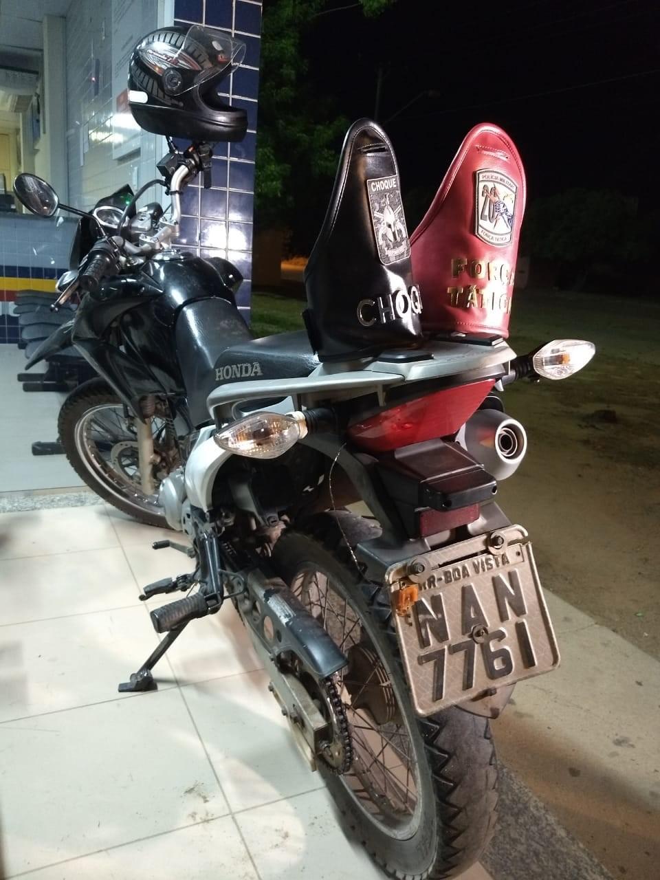 Trio é preso suspeito de levar motos roubadas em Boa Vista para a Guiana