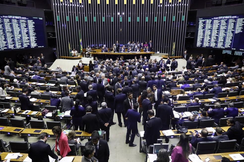 Plenário da Câmara dos Deputados durante votação de destaques e emendas apresentadas ao texto-base da PEC da Previdência — Foto: Luis Macedo / Câmara dos Deputados