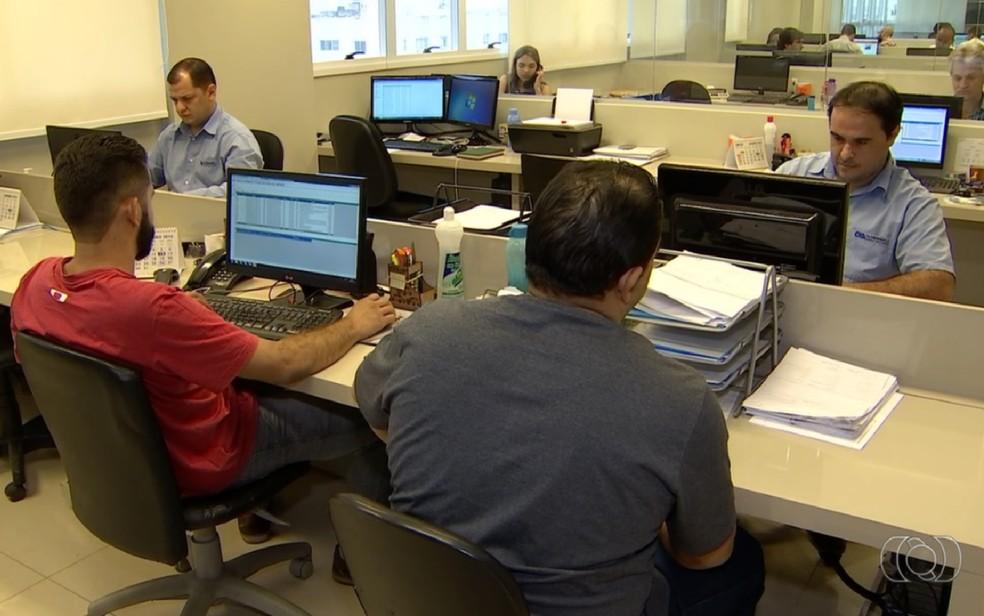Ambiente de trabalho contribui para doenças de fundo emocional.  (Foto: TV Anhanguera/Reprodução)