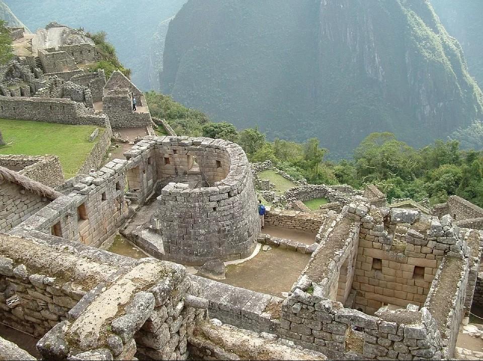 Turistas que defecaram em área sagrada de Machu Picchu estão proibidos de entrar no Peru por 15 anos thumbnail