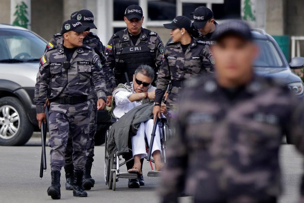 Jesus Santrich deixa a prisão minutos antes de ser recapturado — Foto: Reuters