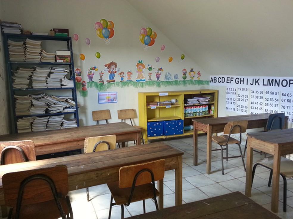 Salas de aula atendem crianças para reforço escolar — Foto: Anna Lúcia Silva/G1