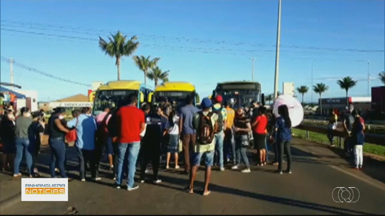 Passageiros protestam por melhorias no transporte na Grande Goiânia