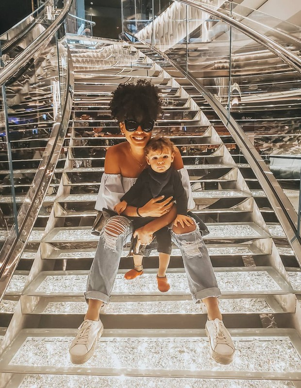 Sheron Menezzes e o filho, Benjamin (Foto: Reprodução Instagram)