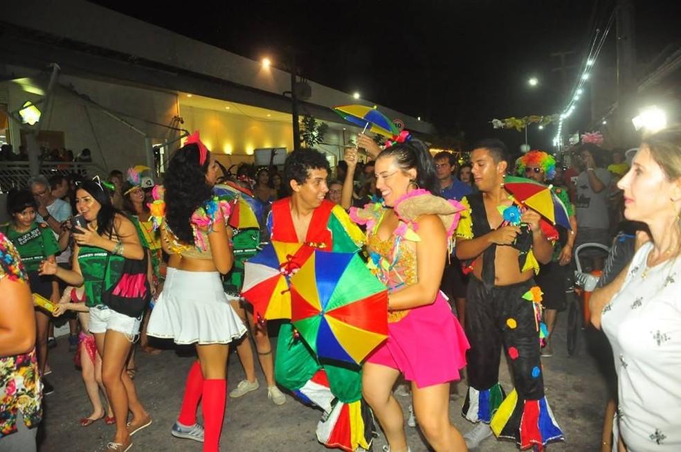 Bloco Bode Expiatório sai pelas ruas de Ponta Negra na sexta-feira de carnaval — Foto: Divulgação
