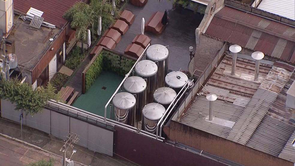 Vista aérea da fábrica da Backer, em BH — Foto: Globocop