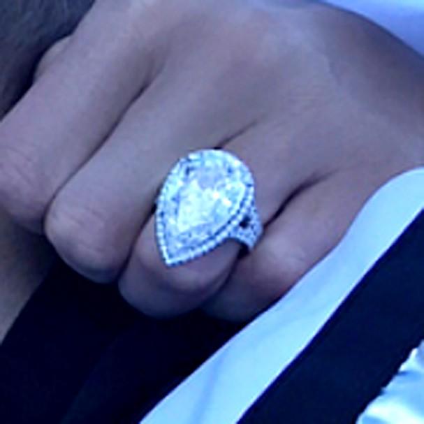 Close no anel de noivado de Paris Hilton (Foto: Instagram/Reprodução)