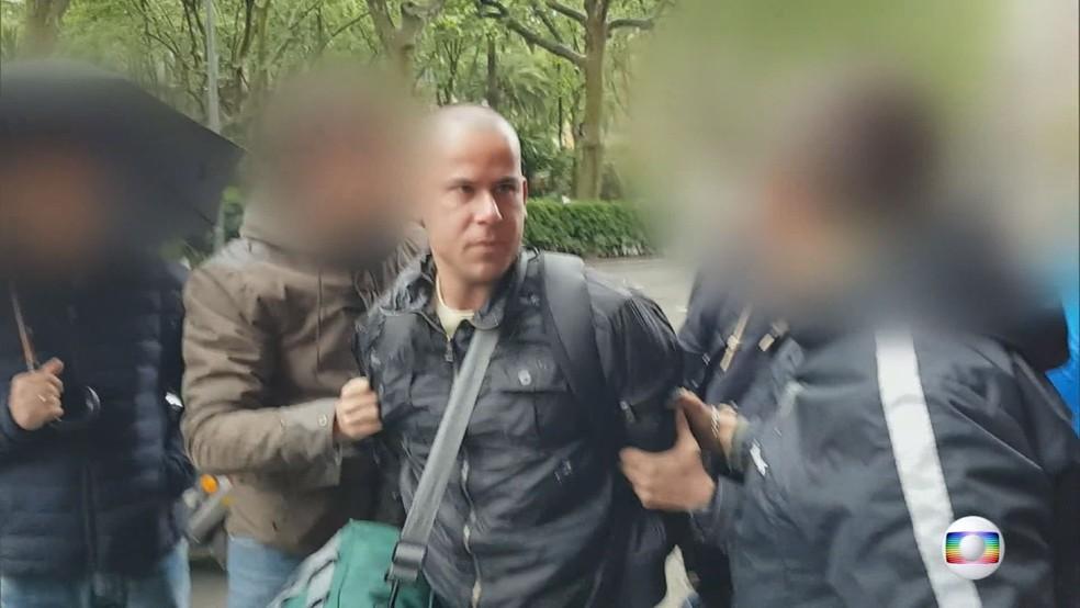 Guilherme Longo é preso pela Interpol em Barcelona, na Espanha (Foto: Fantástico/Reprodução)