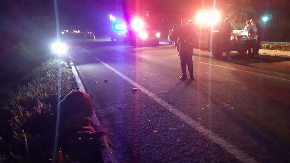 Homem morre após bater em cavalo e também ser atropelado na BR-101 Norte, na Grande Natal. — Foto: Sérgio Henrique Santos/Inter TV Cabugi