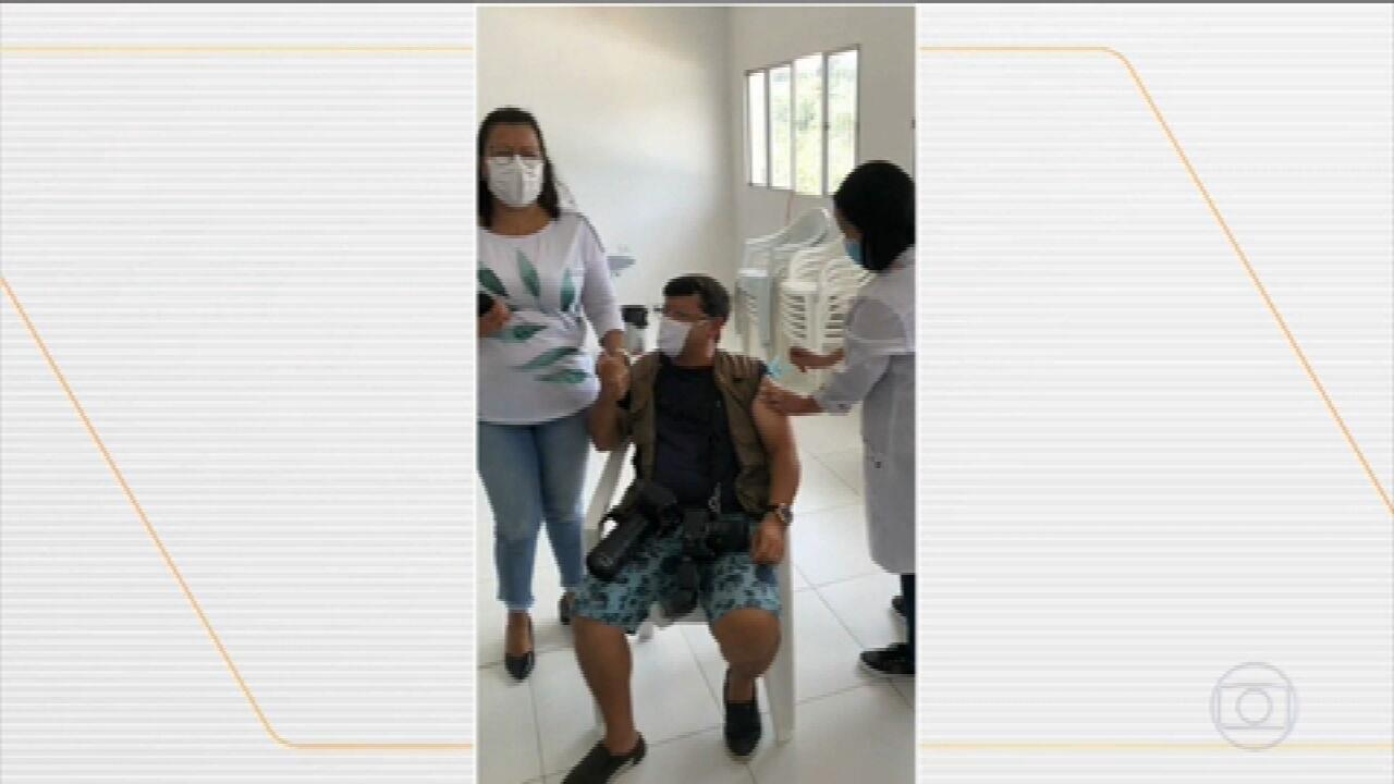 MP investiga denúncias de pessoas que teriam furado fila para tomar vacina contra Covid-19