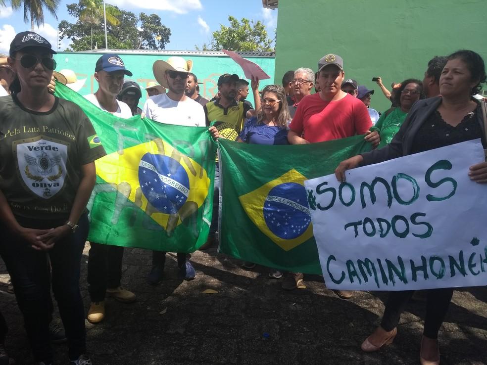 Manifestantes buscam a diminuição do preço do combustível (Foto: Toni Francis/G1)
