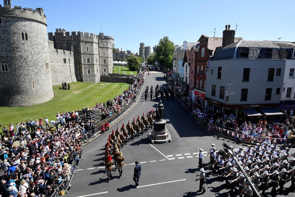 Arredores do castelo de Windsor tem ensaio de parada militar nesta quinta-feira (17) (Foto: Toby Melville/Reuters)