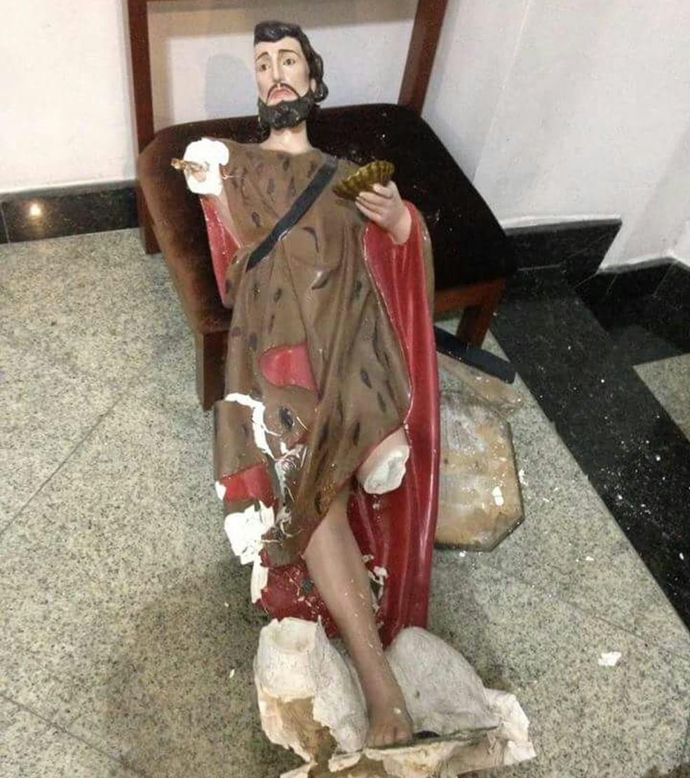 Imagem de São João Batista foi quebrada por homem em paróquia de Natal (Foto: Cedida)
