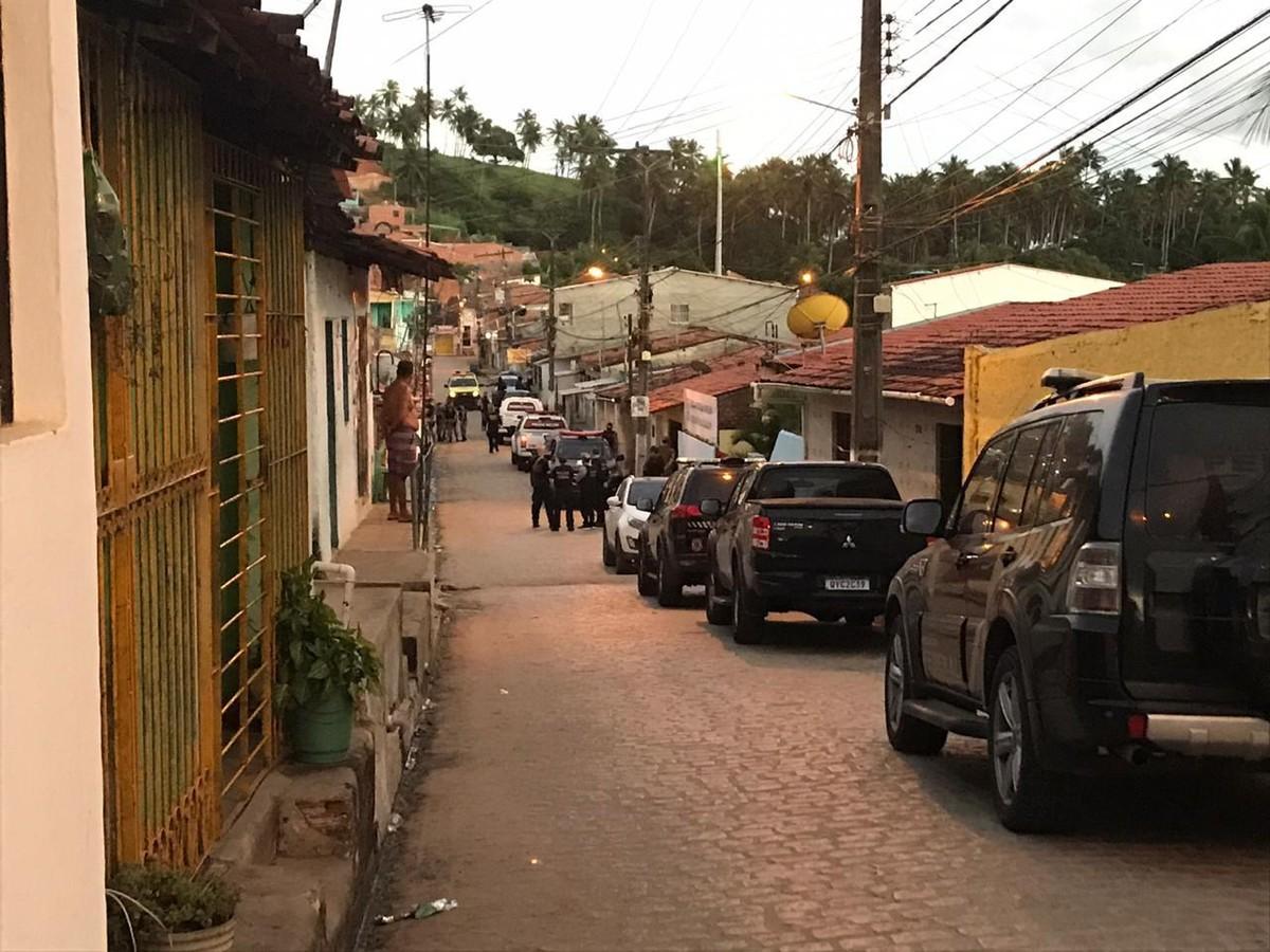 Operação policial cumpre 212 mandados de busca e apreensão e de prisão em Alagoas e mais 10 estados – G1