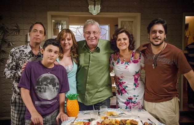 'A grande família': 'Os anos passam e continua excelente. São os melhores atores do Brasil, com ótimos diálogos e enredos surpreendentes', elogia (Foto: TV Globo)