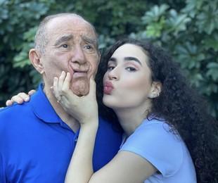 Renato Aragão e a filha, Livian Aragão, têm gravado vídeos para as redes sociais na quarentena | Reprodução/ Instagram