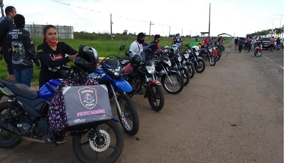 Motoboys também participaram do ato na capital acreana, Rio Branco — Foto: Eldérico Silva/Rede Amazônica Acre
