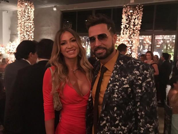 Jéssica Rodrigues e Latino (Foto: QUEM)