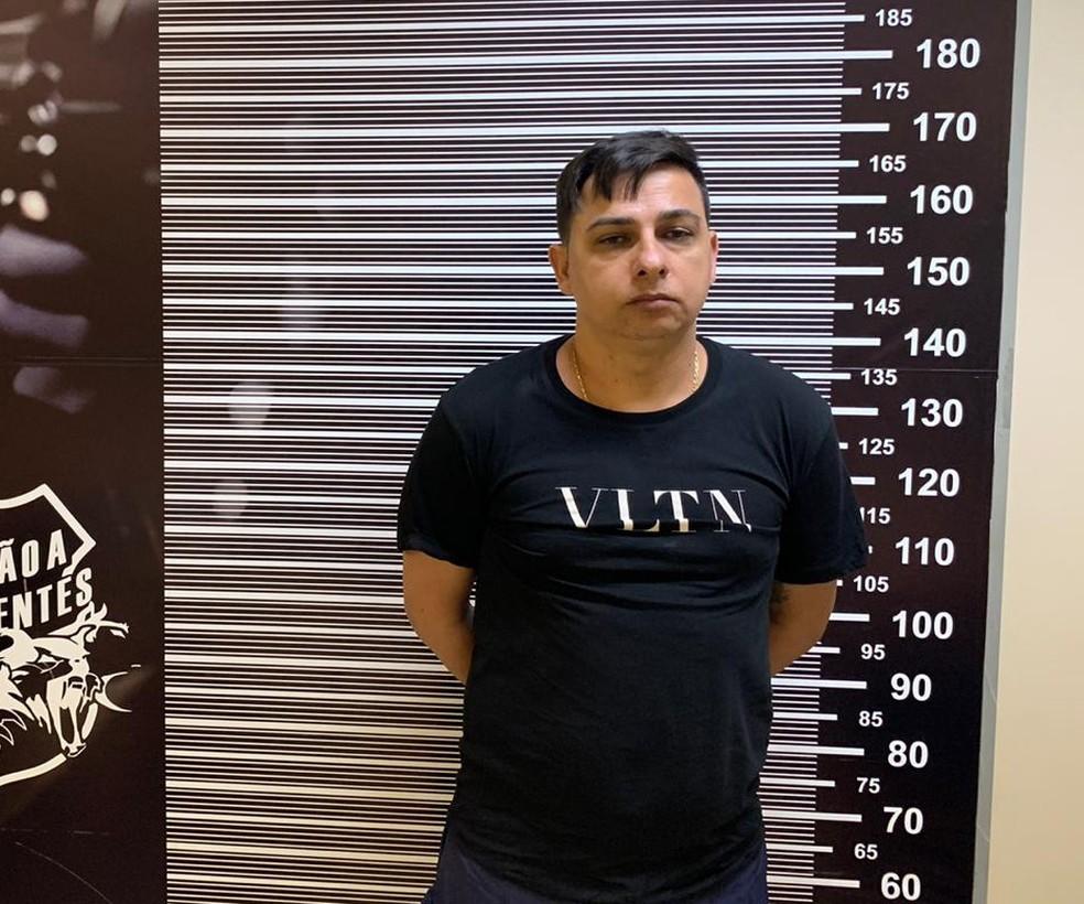 Ele é acusado de matar dois chefes de facção criminosa — Foto: Divulgação/Polícia Federal