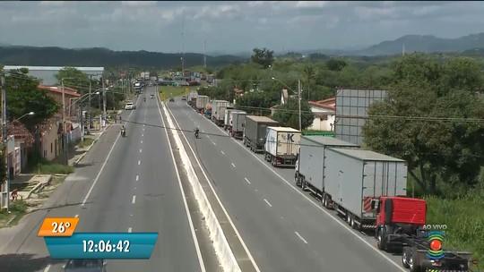 Paralisação de caminhoneiros chega ao 3º dia com interdições e falta de combustíveis na Paraíba