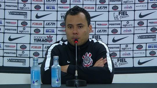 """Jair Ventura vê Corinthians competitivo contra o Santos, mas admite: """"Temos de acordar"""""""