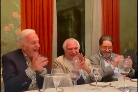 Temer ri de imitação de Bolsonaro em encontro com empresários e políticos