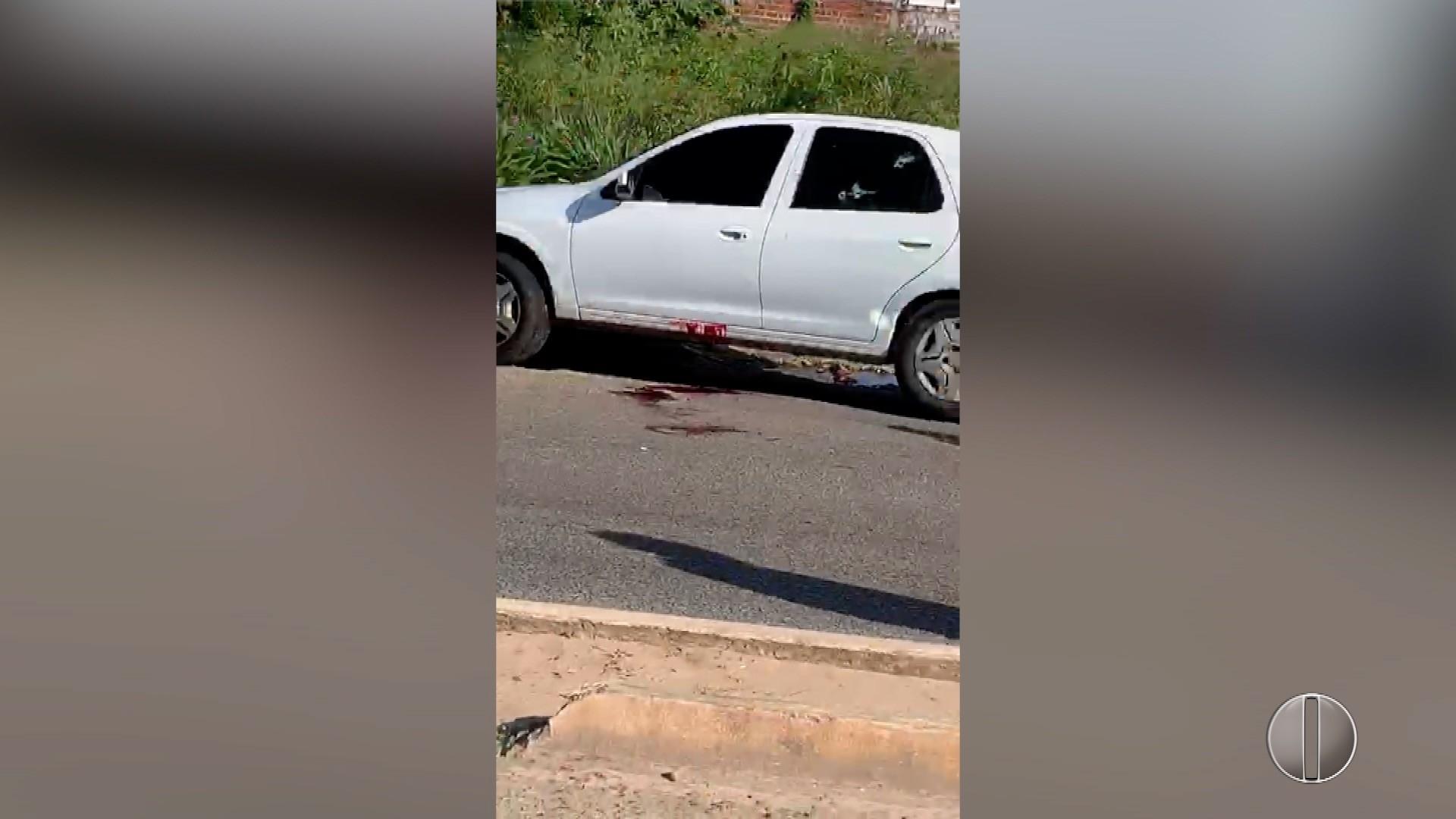 Dupla é morta dentro de carro roubado em confronto com a PM na Zona Norte de Natal