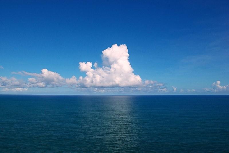 Nível do mar também aumenta com o aquecimento do oceano (Foto: Tiago Fioreze/Wikimedia Commons)
