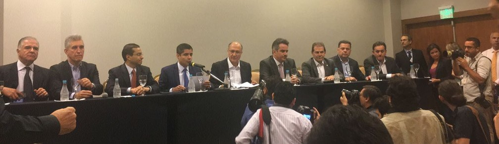 Líderes do 'Centrão', ao lado de Alckmin, anunciaram o apoio à candidatura do tucano em evento em Brasília (Foto: Alessandra Modzeleski/G1)