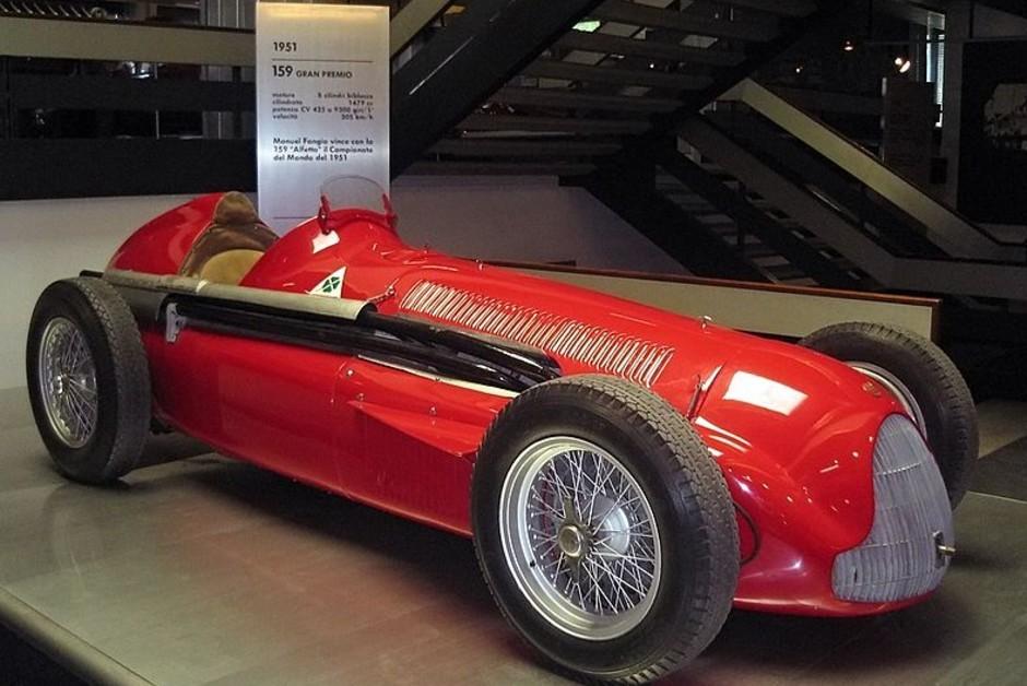 O modelo Alfa Romeo 159, utilizado em 1951 (Foto: Wikimedia Commons)