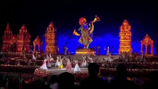 Beyoncé e Hillary Clinton participam de casamento bilionário na Índia