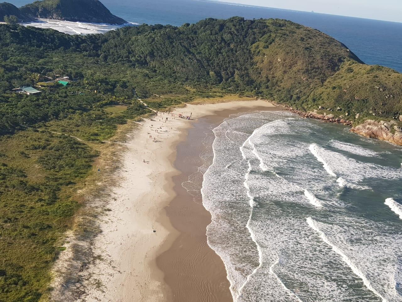 Homem morre após se afogar no mar da Ilha do Mel; VÍDEO