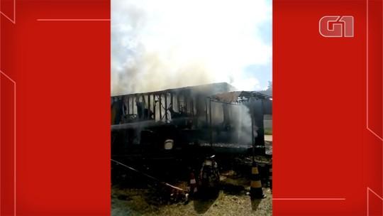 Circo pega fogo e carreta de bilheteria fica destruída em MS; Veja vídeo