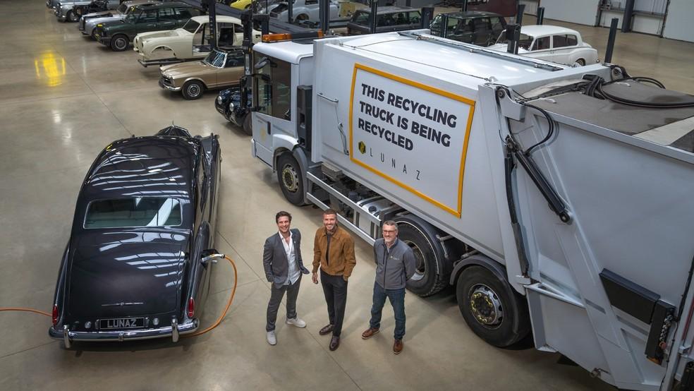 A fortuna de Beckham irá ajudar a empresa a fazer a conversão de caminhões de lixo elétricos — Foto: Divulgação