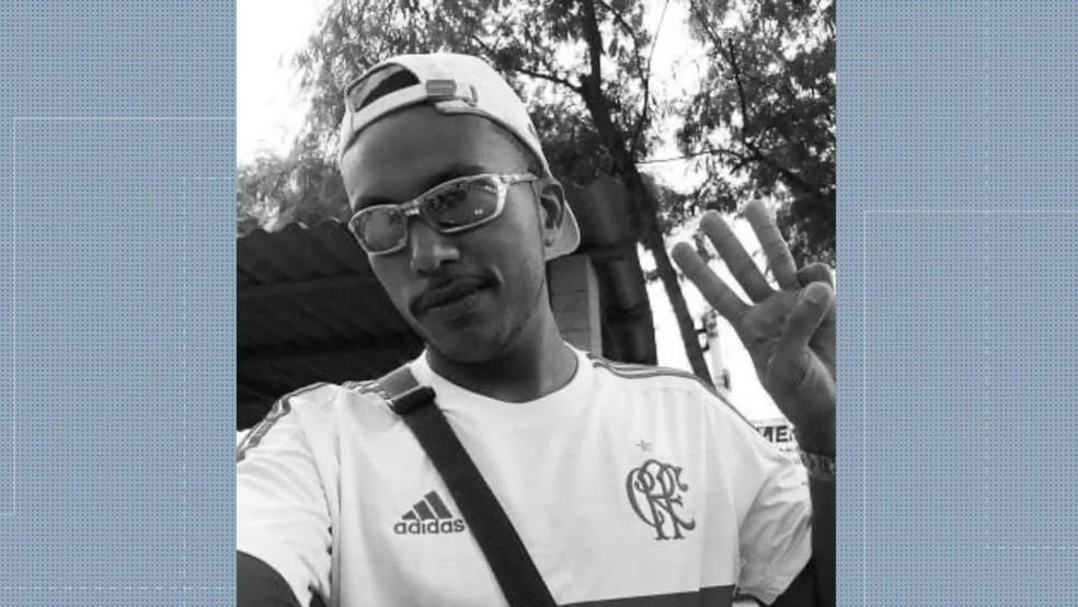 Dênis Brito, sobrinho de Naldo Benny — Foto: Reprodução/TV Globo