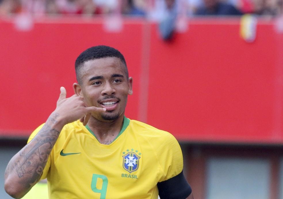 Gabriel Jesus fez gol e teve boa atuação contra a Áustria (Foto: Ronald Zak/AP)