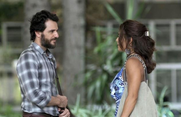 Na quinta (24), Bibi e Caio (Rodrigo Lombardi) vão se reencontrar depois de quase 20 anos (Foto: TV Globo)