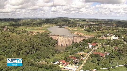 Esvaziamento de barragem com risco de romper compromete abastecimento de água para 12 mil moradores de Paudalho